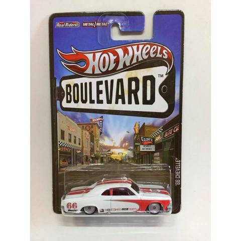 Hot Wheels - 66 Chevelle Branco - Boulevard