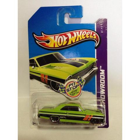 Hot Wheels - 66 Chevy Nova Verde - Mainline 2013