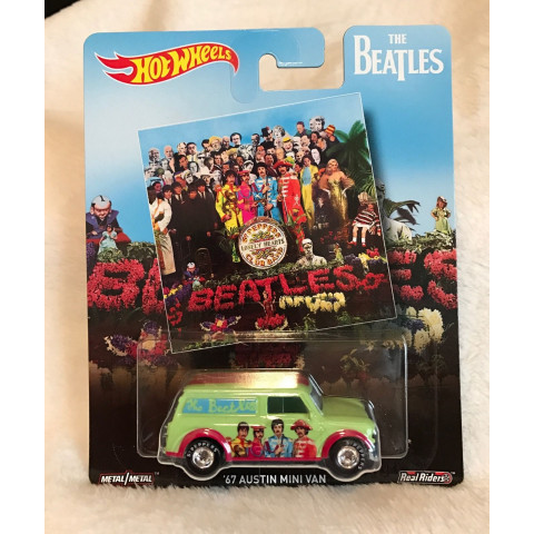 Hot Wheels - 67 Austin Mini Van - The Beatles