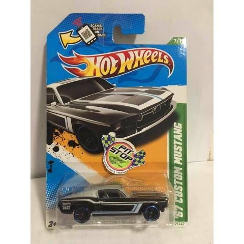 Hot Wheels - 67 Custom Mustang - Thunt Normal 2012