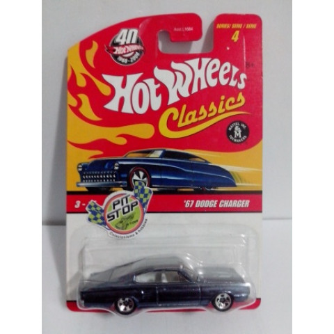 Hot Wheels - 67 Dodge Charger Chumbo - Classics