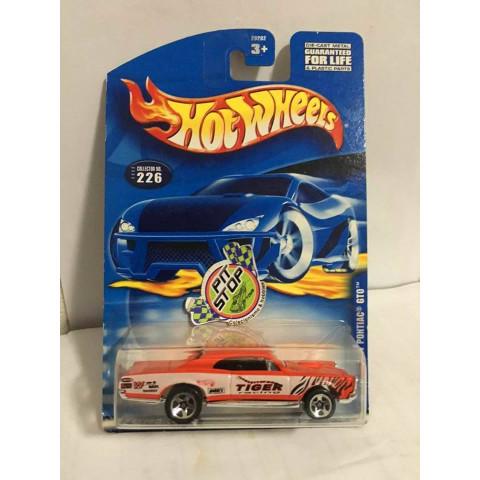 Hot Wheels - 67 Pontiac GTO Laranja - Mainline 2000