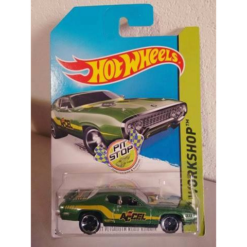 Hot Wheels - 71 Plymouth Road Runner Verde - Mainline 2014
