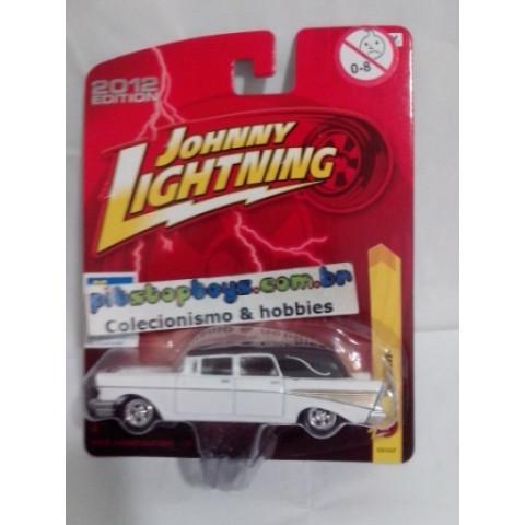Johnny Lightning - 1957 Chevy Branco - JL Forever