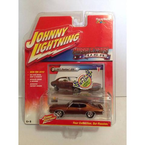 Johnny Lightning - 1971 Pontiac GTO Marrom - Muscle Cars USA