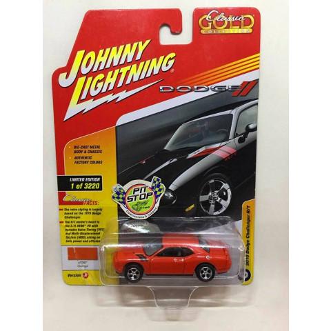 Johnny Lightning - 2010 Dodge Challenger R/T Vermelho - Classic Gold Collection