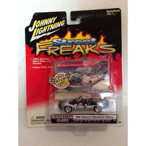 Johnny Lightning - 69 Chevy Camaro Convertible Preto - Street Freaks