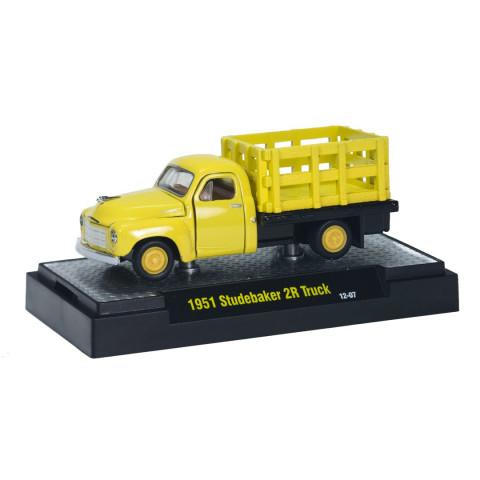 M2 Machines - 1951 Studebaker 2R Truck Amarelo - Auto Trucks