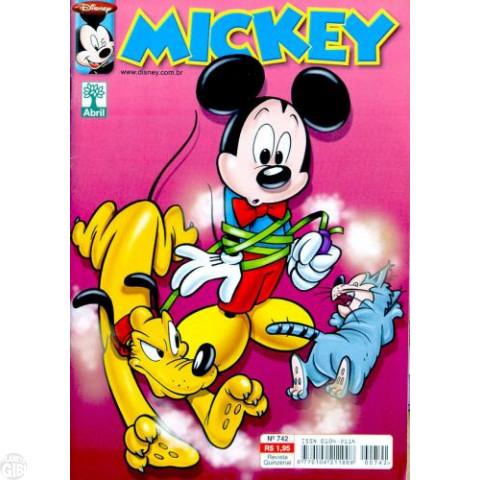 Mickey nº 742 fev/2005