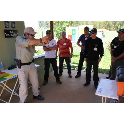 Curso de Formação de Instrutor de Armamento e Tiro - Curso de Instrutor de Tiro