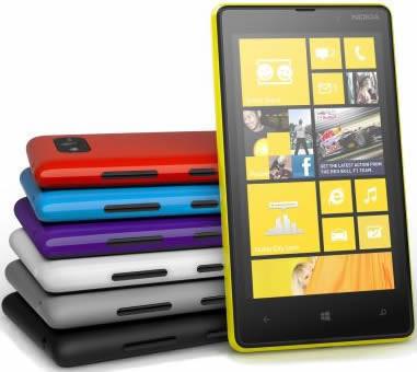"Smartphone Nokia Lumia 820 - 4.3"" Windows 8 Dual 1.5GHz 8GB 2x8.0MP FHD"