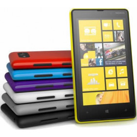 "Smartphone Nokia Lumia 820 - 4.3"" Windows 8 Dual 1.5GHz 8GB 2x8.0MP FHD"