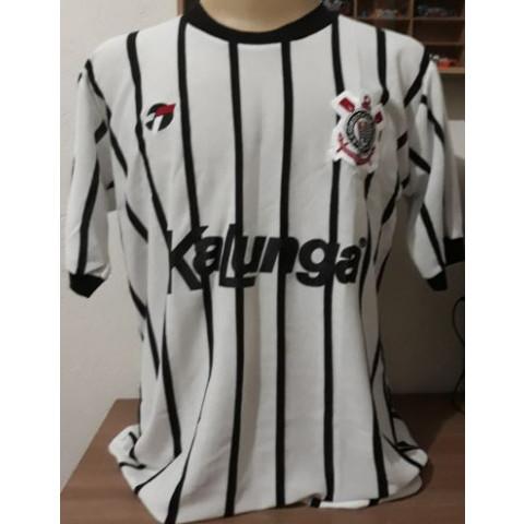 Camisa Retrô do Corinthians listrada Kalunga - Confecção em até 18 dias úteis.