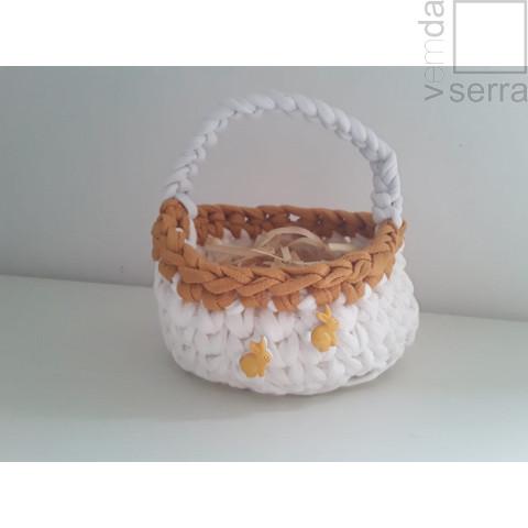 Cestinho em Fio de Malha nas cores branco e mostarda - 11cm