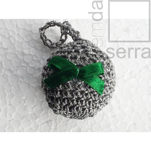 Enfeite de Árvore de Natal - globinho de crochê