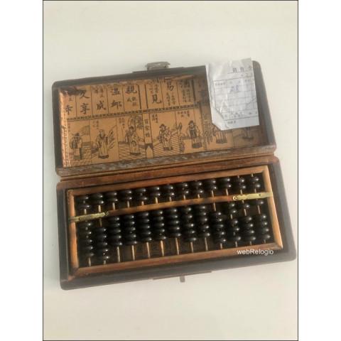 Conjunto de Abaco e Caixa Chines Antigo Laca. REF.00883