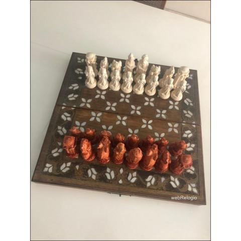 Conjunto de Jogo de Xadrez Tabuleiro Peças e Caixa Turquia Antigo. REF.00884